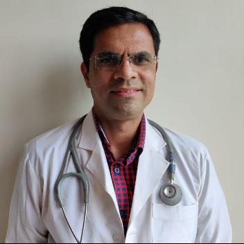 Dr. Anand Kalaskar, General Physician/ Internal Medicine Specialist Online