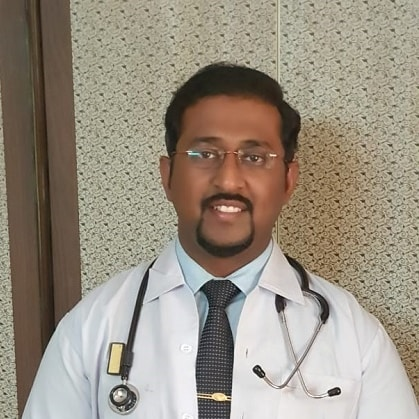 Dr. Chinmay Naik, General Physician/ Internal Medicine Specialist Online