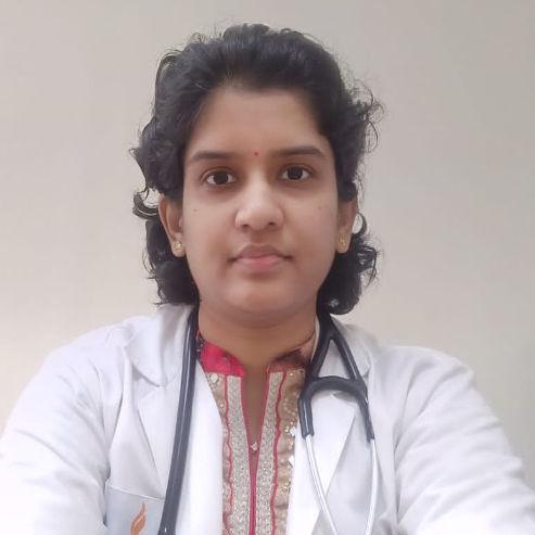 Dr. M B Shalini, General Physician/ Internal Medicine Specialist Online