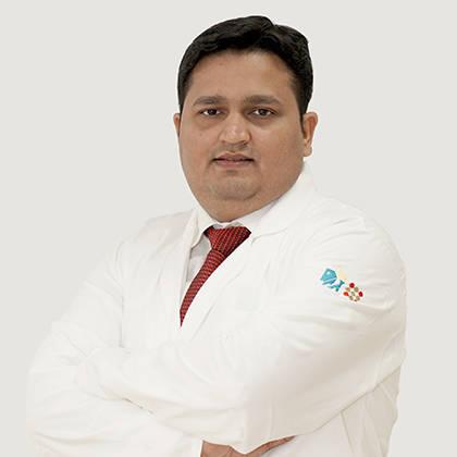Dr. Saket Pandey, Radiation Specialist Oncologist Online