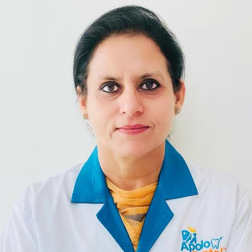 Dr. Ravneet Kaur, Dentist Online