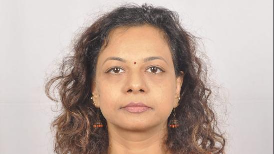 Dr. Aparna Bhatnagar, Ophthalmologist Online