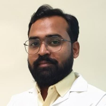 Dr. Om Parshuram Patil, Orthopaedician Online